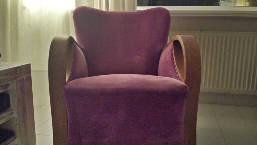 vintage roze paarse stoel