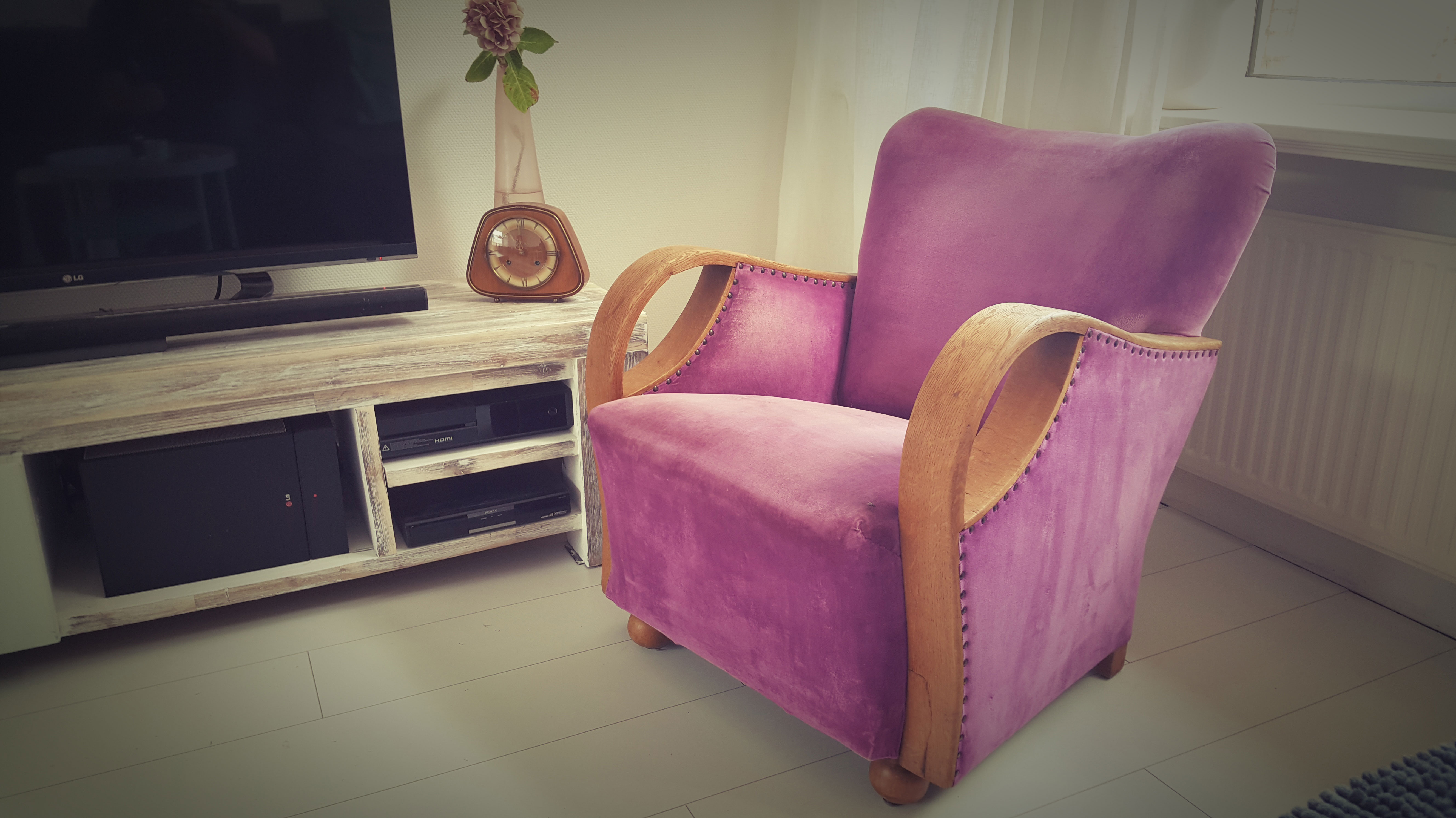 vintage stoel roze paars